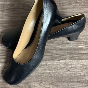 Naturalizer leather women's size 10 heels